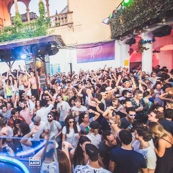 Mesa Vip Dancefloor O Backstage En La Terrrazza Tickets La Terrrazza Barcelona Atmospherical Fun Club 20 September 23 59 Tickx